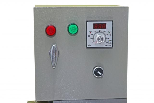 Tủ điện đồng hồ báo nhiệt độ