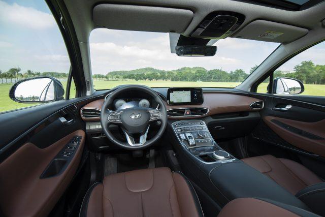 Bảng giá Hyundai SantaFe 2022 - Nội Thất