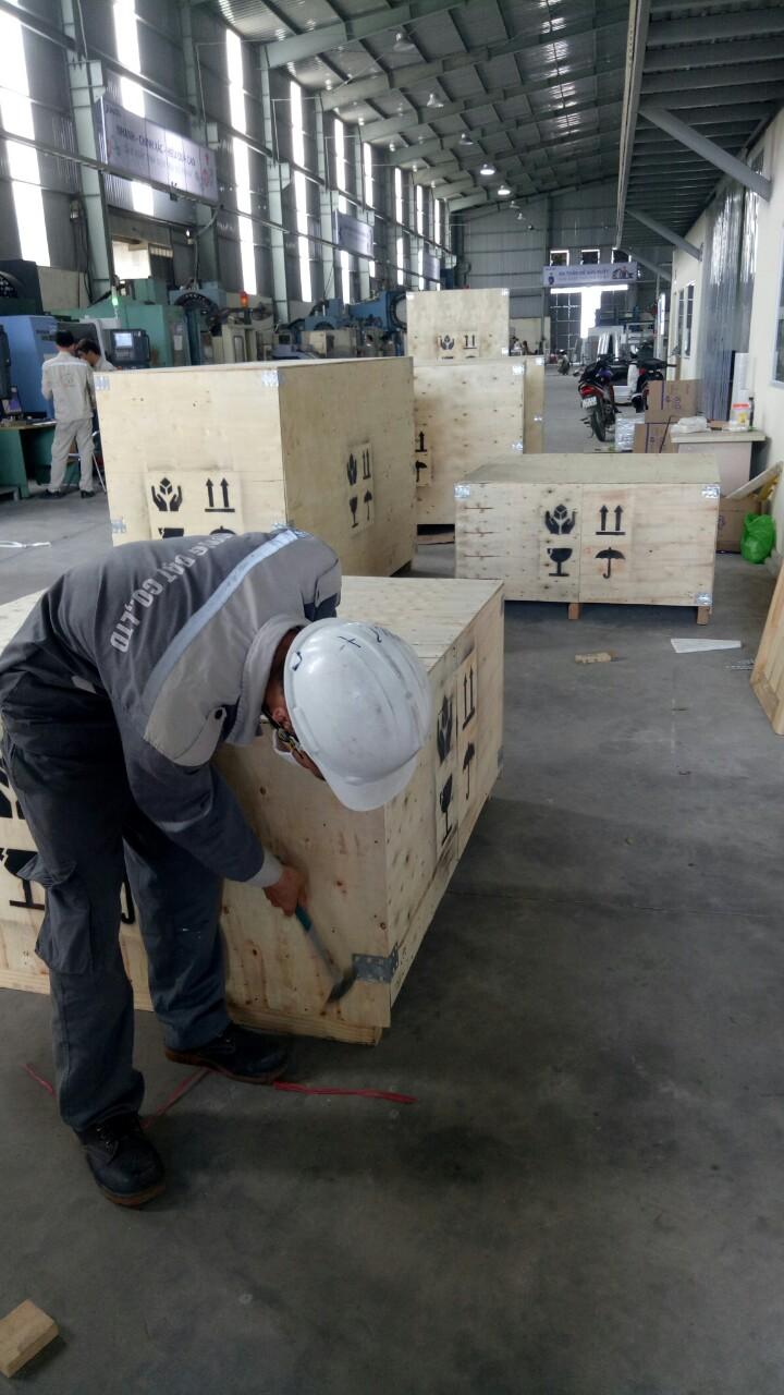 Đòng thùng gỗ thiết bị cơ khi